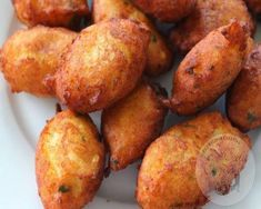 bocados de bacalao y patata Good Food, Yummy Food, Tasty, Yummy Recipes, Puerto Rican Recipes, Bread And Pastries, Food Decoration, Spanish Food, Food To Make