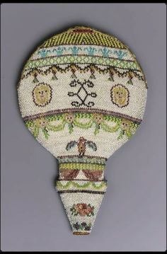Scissors or monocle case, two-sided, flat balloon-shape of strung glass beads (called sablé) held together with looping stitches. Pink silk lining. White ground with d … One Balloon, Balloon Shapes, Sewing Box, Sewing Tools, Beaded Purses, Beaded Bags, Vintage Purses, Vintage Bags, Needle Case