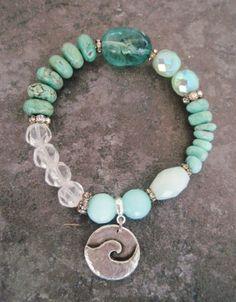 Beach Boho stretch bracelet ' PIPELINE ' sea green von slashKnots