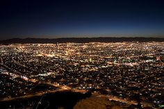 panoramica nocturna de Chihuahua by esdelval