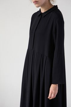 muku: muku Ladies FW in 2020 Abaya Fashion, Muslim Fashion, Modest Fashion, Korean Fashion, Fashion Dresses, Modest Dresses, Casual Dresses, Moslem, Mode Abaya
