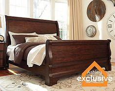 Hadelyn Queen Sleigh Bed