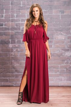 Shop our collection of cute maxi dresses for every season and occasion. Whether you're looking for a casual maxi dress or an off the shoulder maxi for a night out, we've got it all at Mint Julep. Cute Maxi Dress, Floral Maxi Dress, Nice Dresses, Maxi Dresses, Shoulder Cut, Bridesmaid Dresses, Wedding Dresses, Pantone Color, Night Out