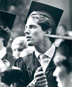 1983 ~ 22 Year Old John F Kennedy Jr Graduates From Brown University With A Bachelor's Degree In History Jackie Kennedy, Los Kennedy, Carolyn Bessette Kennedy, Jaqueline Kennedy, Lee Radziwill, John John, John Kenny, Dear John, Aldo Conti