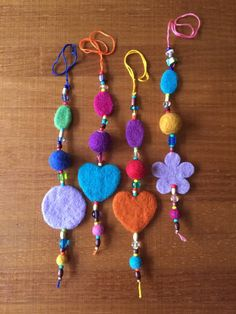 Wool Felt Ornament with Hearts, Flowers, Circle Shapes, Set of 2 - Great Party Decoration or Favor Kids Christmas Ornaments, Felt Ornaments, Christmas Sewing, Pom Pom Bag Charm, Crafts For Kids, Arts And Crafts, Hand Embroidery Flowers, Felt Decorations, Penny Rugs