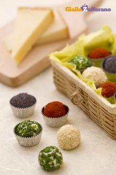 Tartufini di formaggio ai 4 colori (cheese truffles)
