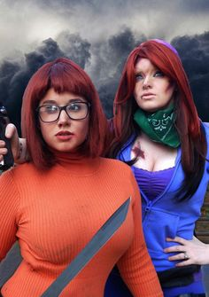 Apocalypse Velma and Daphne Cosplay http://geekxgirls.com/article.php?ID=7861