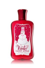 Winter Candy Apple Shower Gel - Signature Collection - Bath & Body Works, one of my favorite holidays products. It smells so deliciously amazing. Winter Candy Apple, Christmas Scents, Christmas Candles, Bath And Bodyworks, Body Cleanser, Candy Apples, Smell Good, Shower Gel, Body Wash