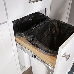 Utilize every inch of cabinetry space with these genius food storage container hacks that will keep your supplies organized and easy to access. You'll learn how to organize your kitchen cabinets quickly and inexpensively. Kitchen Cupboard Organization, Kitchen Storage Hacks, Spice Storage, Kitchen Cupboards, Built In Storage, Kitchen Countertops, Diy Kitchen, Storage Organization, Kitchen Ideas