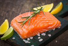 Becky Gontor-Dray, specialist in Pediatric Nutrition at Dayton Children's Hospital, explains the benefits of omega 3 in salmon and how to get kids to eat it. High Protein Recipes, Heart Healthy Recipes, Omega 3, Onigirazu, Cholesterol Diet, Cholesterol Symptoms, Reduce Cholesterol, Cholesterol Levels, Anti Inflammatory Diet