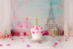 Paris girly cake smash set up Paris Cakes, Girly Cakes, Cake Smash Photography, Baby Nest, Kendall, Birth, Being A Mom