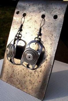 Recycled ring pull tab dangle Earrings. Tinkan Designs on Etsy.