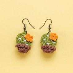 Crochet Bee, Kawaii Crochet, Crochet Cactus, Crochet Sunflower, Cute Crochet, Crochet Motif, Crochet Earrings Pattern, Crochet Jewelry Patterns, Crochet Flower Patterns