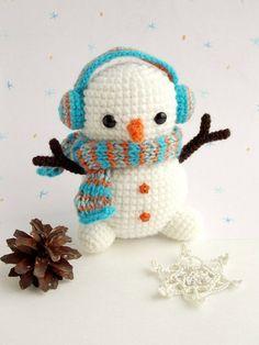 Amigurumi - patrón de muñeco de nieve de ganchillo gratis