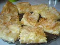 Placinta cu branza de oaie si smantana Romanian Food, Sweet Memories, Pastries, Cheese, Baking, Desserts, Garden, Mascarpone, Cooking Recipes