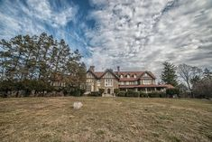 Photographer Kris Catherine gives an exclusive look inside the opulent mansions of Elkins Estate Old Mansions, Mansions For Sale, Abandoned Mansions, Historical Architecture, Architecture Details, Staircase Drawing, Elkins Park, American Mansions, Mansion Designs
