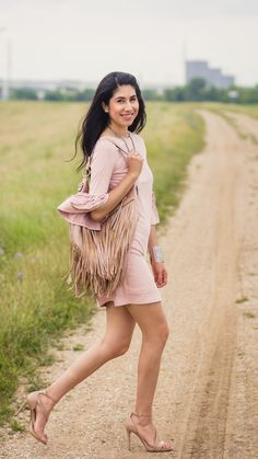 FALLING IN L-O-V-E WITH FRINGE | @120Photography #DallasBlogger #DallasStylist… Cozy Aesthetic, Fringe Purse, Pink Accents, Nude Heels, Clothes Horse, Silver Bangles, Pretty In Pink, Outfit Of The Day, Dallas