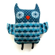 love this Knitted Lambswool Big Owl cushion. £60.00, by Sally Nencini, via Etsy.