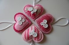 Pink Felt Heart Ornaments - I would make them red!