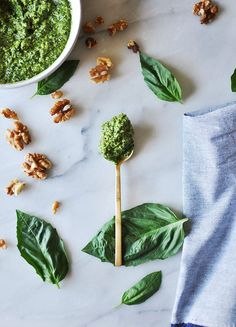 Walnut Pesto @CAWalnuts #cawalnuts #sponsored