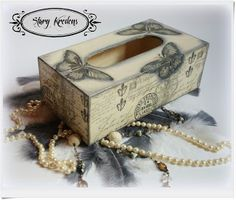 Chustecznik - paryskie czarne motyle - Decoupage Tissue Box Covers, Tissue Boxes, Chabby Chic, Kleenex Box, Decoupage Box, Shabby Chic Crafts, Tea Box, Projects To Try, Decoration