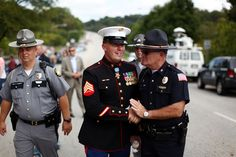 Medal of Honor recipient~ Dakota Meyer Medal Of Honor Winners, Medal Of Honor Recipients, Kentucky State Police, Men In Uniform, Vietnam War, Marine Corps, Us Army, Famous People, Presidents