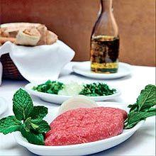 Quibe cru é uma das especialidades do restaurante Arabia, em SP