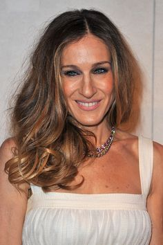 Sarah Jessica Parker's Messy Waves - Medium-Length Hairstyles for Women Over 50 - Photos