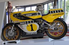 Yamaha of King Kenny Roberts Street Motorcycles, American Motorcycles, Yamaha Motorcycles, Vintage Motorcycles, Flat Track Motorcycle, Motorcycle Art, Course Moto, Vespa, Cafe Racer Bikes