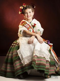 Hello all, today I will continue my overview of the costumes of Spain. There is less variety of costume in the south, as they . Murcia, Labor, Historical Clothing, Spain, Victorian, Saree, Romantic, Costumes, Embroidery