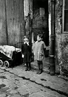 Robert Capa - Paris, 1936.