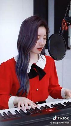 Kpop Girl Groups, Korean Girl Groups, Kpop Girls, Twice Dahyun, Tzuyu Twice, Cool Girl, My Girl, Twice Songs, Twice Video