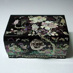 Mother Of Pearl Wooden Lacquer Locked Jewelry Mirror Box Chest With Peony Flower…