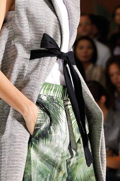 Dries van Noten. #fk #fashionkiosk #style #fashion #show #podium #womenswear