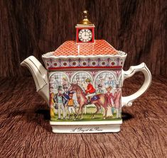 Sadler teapot Championship's A Day at the Races made in Tea Houses, China Teapot, Crystal Wine Glasses, China Tea Sets, Chic Chic, Chocolate Pots, Vintage Dishes, Race Day, Vintage Racing