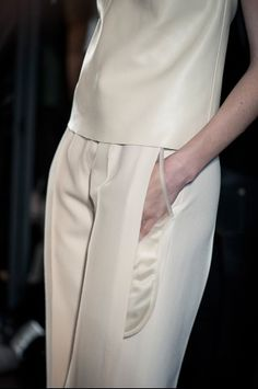 Visibly Interesting: Sheer Pocket detail - chic tailoring with transparent accents; see-through fashion details // Maison Martin Margiela Dramatic Classic, Runway Fashion, Womens Fashion, Fashion Outfits, Fashion Details, Fashion Design, Pattern Cutting, Fabric Manipulation, Pocket Detail