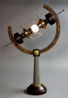 Steampunk lamp by Art Donovan : http://artdonovan.typepad.com/blog/2011/07/arc-light-steampunk-lamp.html