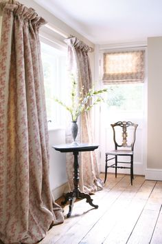 Relaxed cottage style curtains in a soft red print Lounge Curtains, Dining Room Curtains, Drapes Curtains, Drapery, Curtain Fabric, Shower Curtains, Cottage Curtains, Country Curtains, Cottage Windows
