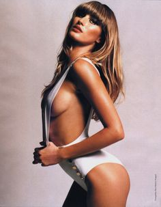 Gisele Bundchen Sexy Big Breast 500x643 Gisele Bundchen Breast Implants and Nose Job Before and After Photos