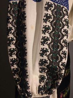 Folk Costume, Costumes, Alexander Mcqueen Scarf, Weaving, Traditional, Embroidery, Blouse, Inspiration, Fashion