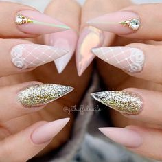 21 Ideas of Gorgeous Combination Nude and Gold Nails ❤ Cute and Sweet Nude Pink Nails picture 1 When it comes to nude and gold nails, it seems that there is nothing special about them. But when you look closer, you will change your mind. #naildesignsjournal #naildesigns