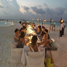 "Beach Wedding Photos ""Just a casual, low-key dinner in the Maldives."" Matthew Williamson shares a photo from his travels. Beach Dinner, Beach Party, Beach Picnic, Party Fun, Party Ideas, Low Key Wedding, Dream Wedding, Wedding Things, Maldives Wedding"