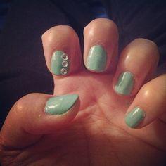 Tiffany inspired nail art for short nails