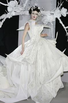 Christian Dior at Couture Spring 2007 - Right tipe of silk performes wonderfully in origami progects , ironing is a challenge :)