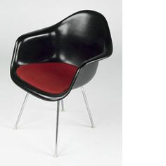 Charles et Ray EAMES, fauteuil DAX