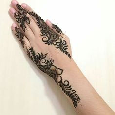 Of florals and vines 🌿🌼 _ Mehandi Henna, Henna Art, Arabic Henna, Mehndi Designs Feet, Henna Drawings, Mhendi Design, Heena Design, Foot Henna, Flower Henna