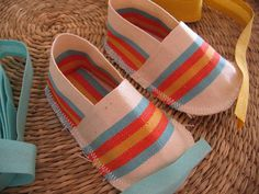 Lots of baby shoes patterns & ideas