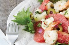 Grapefruit, hearts of palm & prawn salad | Nourish magazine Australia