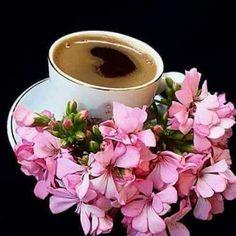 Hermoso y rico KF ☕❤☕ Coffee Vs Tea, Coffee Latte Art, Brown Coffee, Coffee Cafe, Good Morning Cards, Good Morning My Friend, Good Morning Coffee, Coffee Break, Tea Etiquette
