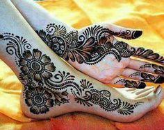 Henna mehndi - Good tattoo insperation on the foot